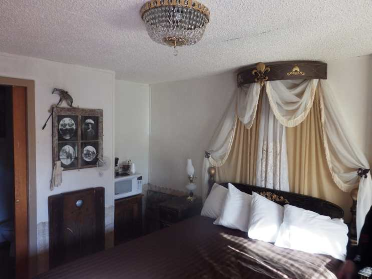 The Parlo room, Black Bear Motel, Davenport WA.