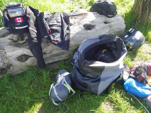The open Mosko Moto Scout 60 duffle bag