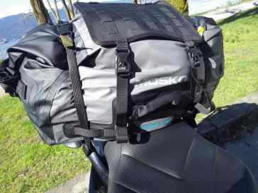 Rok Straps through the strap channels at the base of the bag