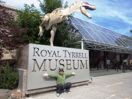 118 DES at Royal Tyrrell Museum-min